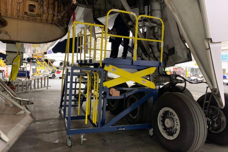 Boeing 787 Custom Scaffolding Platform